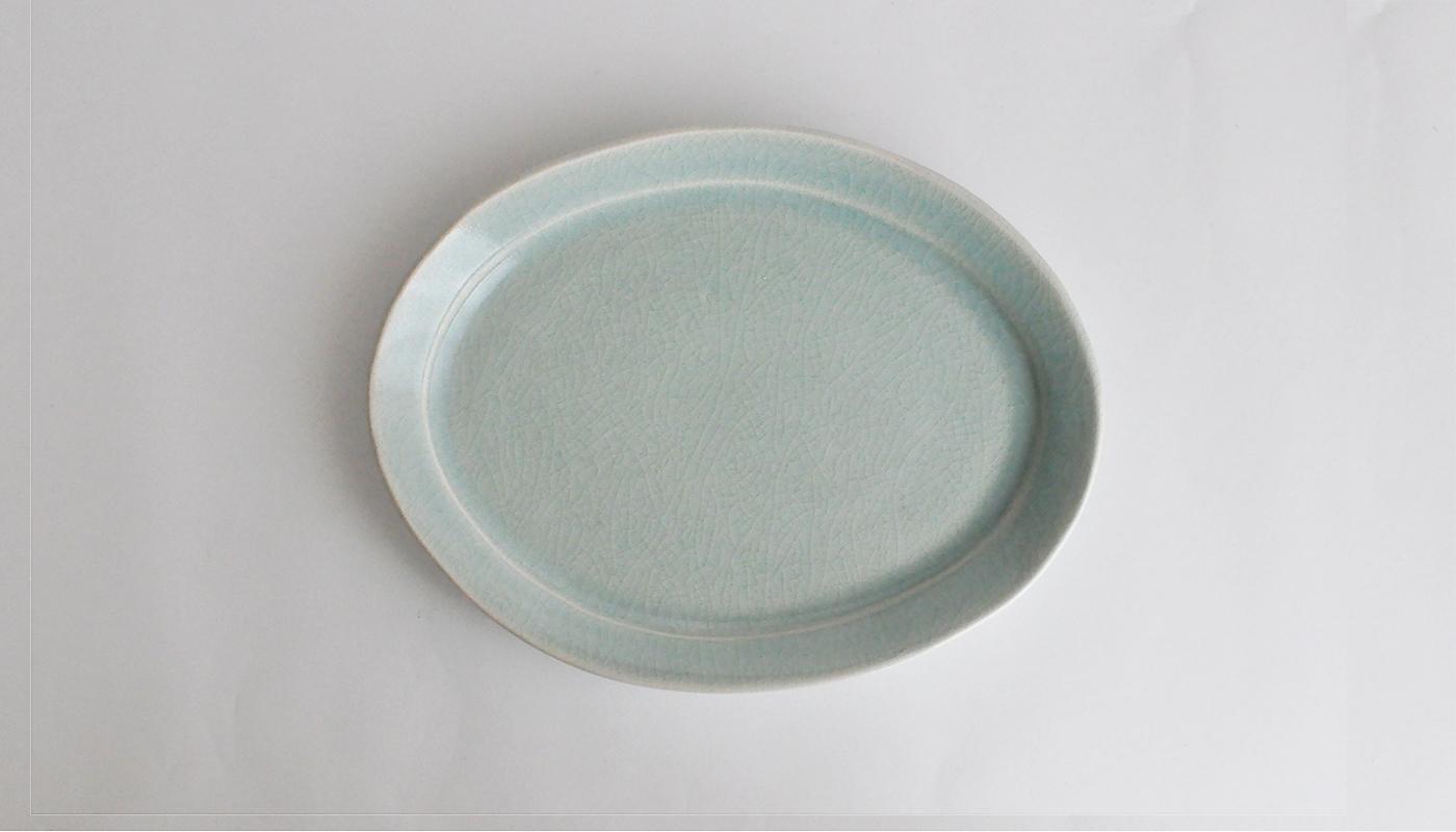 青瓷楕円皿    石黒 剛一郎