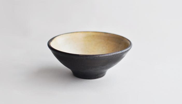 中村恵子の飯碗 黒×皹粉引 03